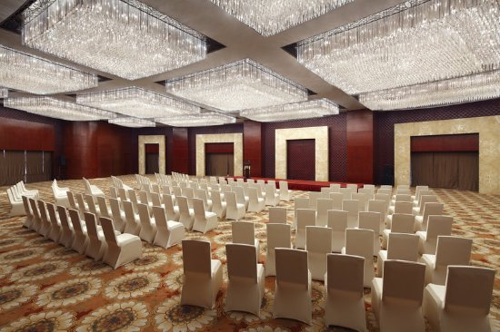Jinzhou, Cina: Grand Ballroom - Theatre Set Up