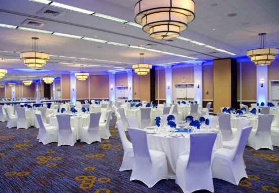 Courtyard Waterbury Downtown: Ballroom – Social Event Setup