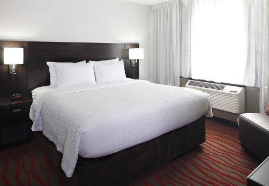 Saint Cloud, MN: One-Bedroom Suite