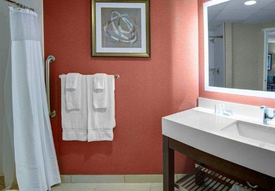 Σεντ Κλάουντ, Μινεσότα: Guest Bathroom