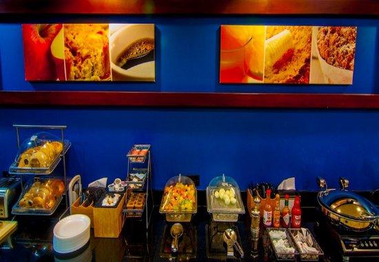 Tulare, CA: Breakfast Buffet