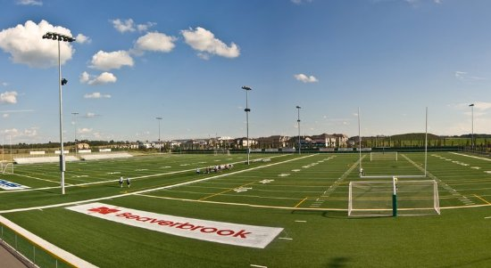 Spruce Grove, Canadá: Fuhr Sports Park Football & Soccer Fields - Just Steps Away