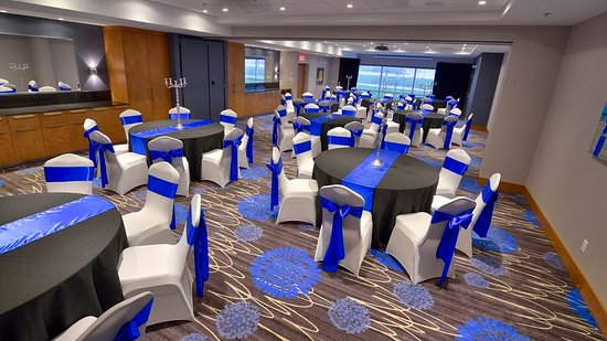 Holiday Inn Express & Suites Vaudreuil-Dorion - Large Banquet Hall