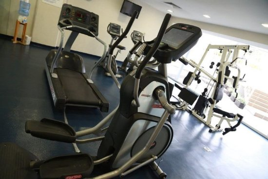 Holiday Inn Express Guadalajara Expo: Gym
