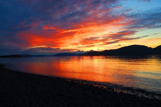Gustavus, Аляска: Fairweathers at sunset
