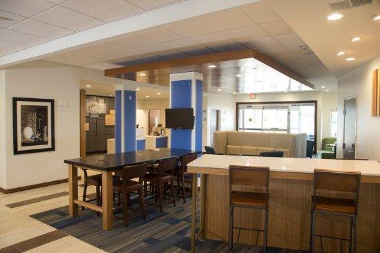 Rochester Hills, MI: Business Center