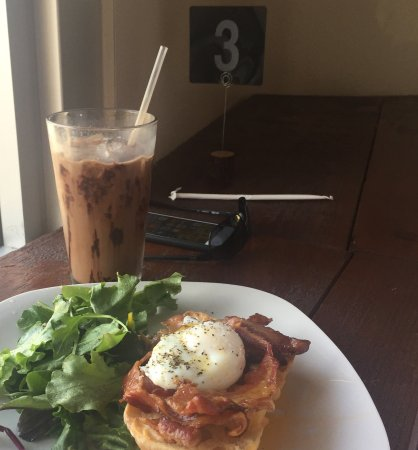 West Sacramento, Kalifornien: Bacon & egg iced mocha