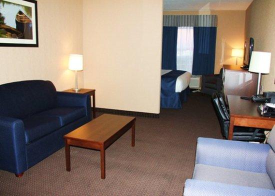 Virden, Canada: King Suite