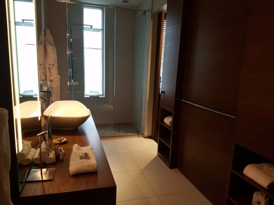 The Bathroom with two sliding doors and shower. - Picture of Hotel ...
