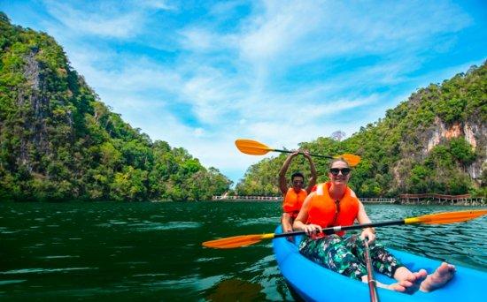Langkawi District, Malásia: Kayaking at Dayang Bunting