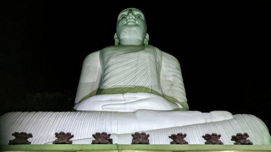 Bahiravokanda Vihara Buddha Statue: IMG_20171007_193010_large.jpg