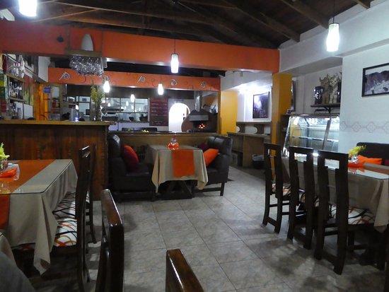 Papa's Andean Fusion Restaurant: Clean, Tidy Spacious Interior.