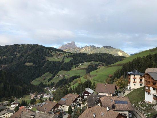 Hotel Alpenrose: Meravigliosa la vista dai balconi della nostra camera