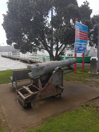 Rawene, New Zealand: history near by
