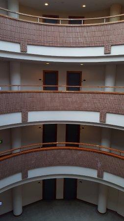 Sun-Link-Sea Hotel: 房間採圓弧形設計