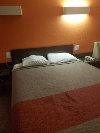 Oroville, Kaliforniya: sad pillows