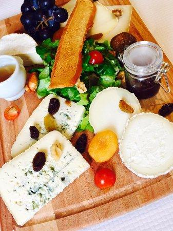 Domaine La Perriere: La tout Fromage