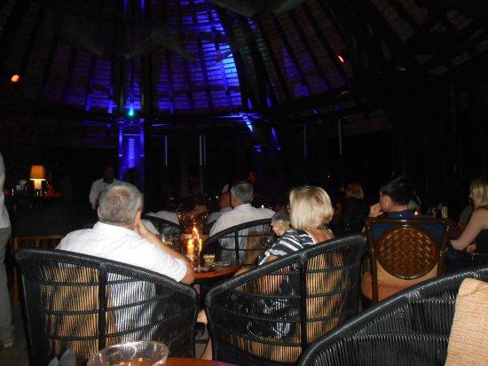 Trou d'eau Douce: Great atmosphere- no seats available