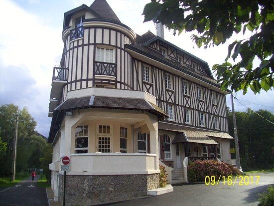 Saint-Pierre-du-Vauvray Photo