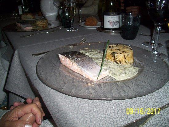 Saint-Pierre-du-Vauvray, Prancis: pietanza di pesce