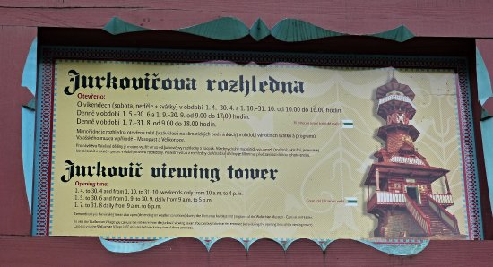 Roznov pod Radhostem, Czech Republic: Informační tabule pro turisty u parkoviště.