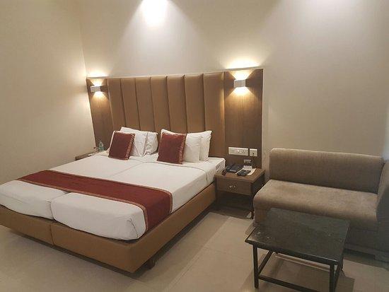 Grand Hotel Agra: IMG-20171009-WA0000_large.jpg