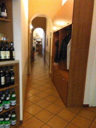 Melzo, Itália: Area di accesso a Sala Pranzo/Cena