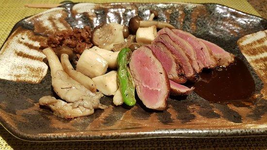 Teppanyaki Restaurant Sazanka : le canard. regardez la cuisson de la viande et ces jolis legumes!