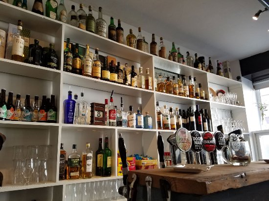 Bar picture of pot duggans ennistymon tripadvisor for Food bar 1480