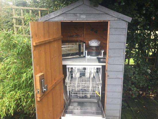 New Forest National Park Hampshire, UK: Dishwasher Shed