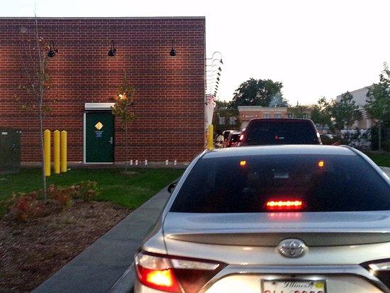 Harwood Heights, IL: drive-thru lane at Portillo's
