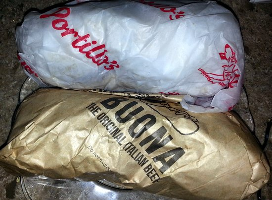 Harwood Heights, IL: a size comparison between a Portillo's beef and a Buona beef