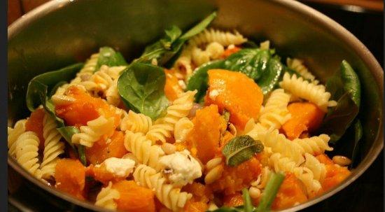 Pezenas, France: Pâtes Fusilli gorgonzola, potimarron, roquette, tomates fraîches