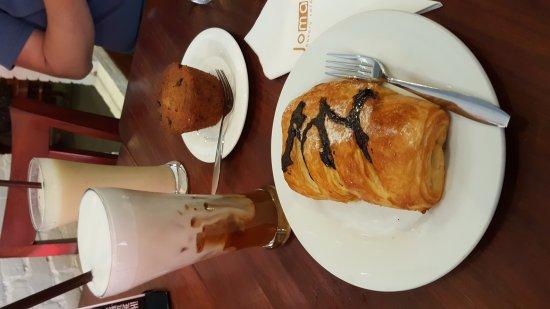 Joma Bakery Cafe: 20171009_112250_large.jpg