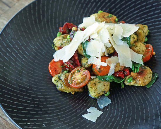 Sunshine Beach, Australia: Fratellini fresh herb Gnocchi