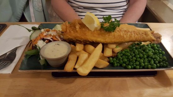 Gunnislake, UK: Beer battered fish
