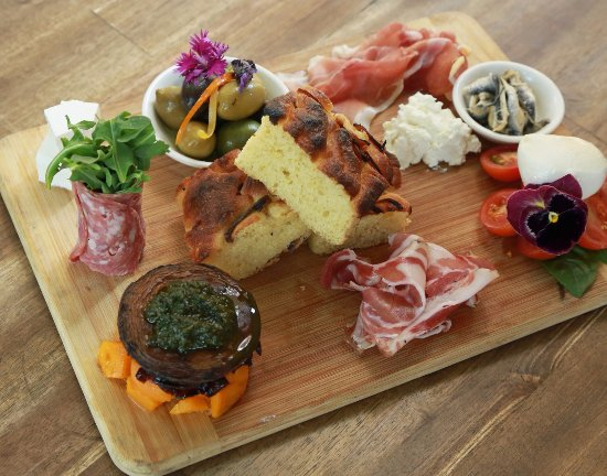 Sunshine Beach, Australië: Fratellini Antipasto Board for 2