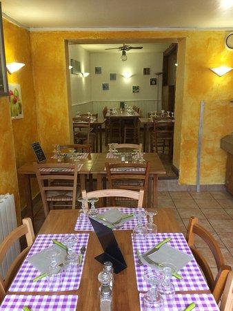 Saint-Martin-de-la-Lieue, Frankrike: Leuca Pizzas Saint-Martin de la Lieue
