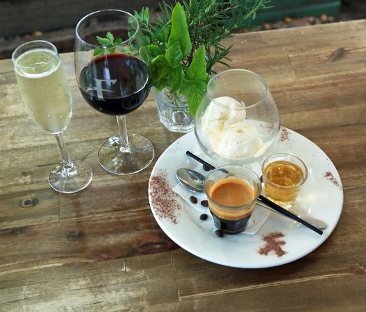 Sunshine Beach, Australië: Fratellini Coffee and Wine