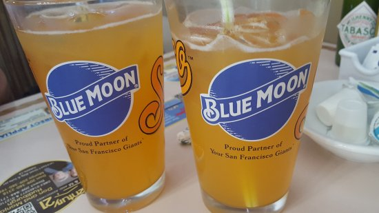 Oakdale, Kaliforniya: blue moon