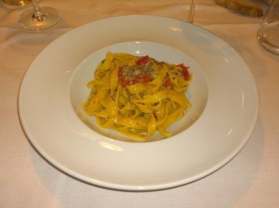 Cavaion Veronese, Itália: Tagliatelle fatte in casa con sarde di mare