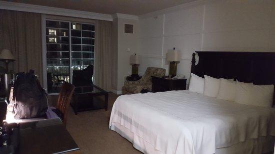 Riverside Hotel: 20170930_224436_large.jpg