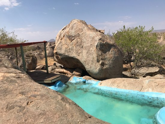 Kamanjab, Namibia: Pool at the campsite