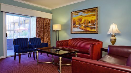 Norwalk, CA: Suite 1A