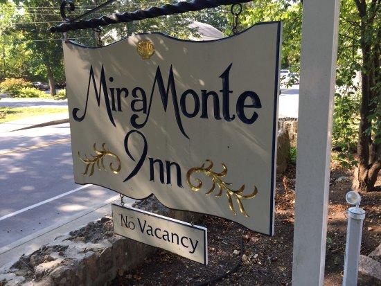 Mira Monte Inn: photo1.jpg