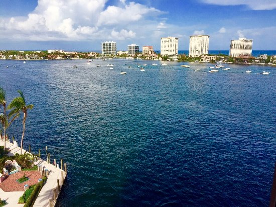 Boca Raton Resort, A Waldorf Astoria Resort: Glorious intracoastal and ocean view from my mini suite