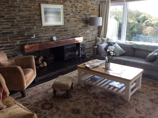 Kingsbridge, UK: Living room with wood burner
