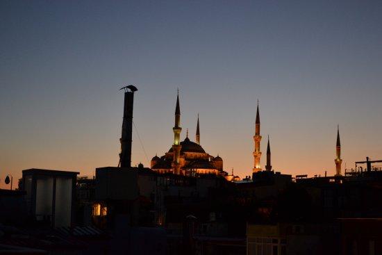 Hotel Peninsula : Вид с террасы на Голубую мечеть