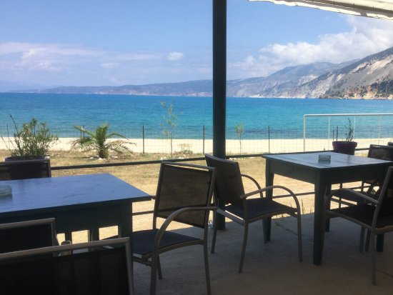 Zola, Hellas: The Aghia Kiriaki Cafe snack bar