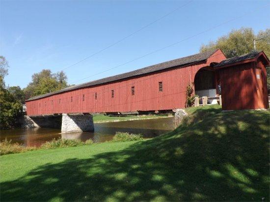 West Montrose Covered Bridge (Kissing Bridge): West Montrose Bridge
